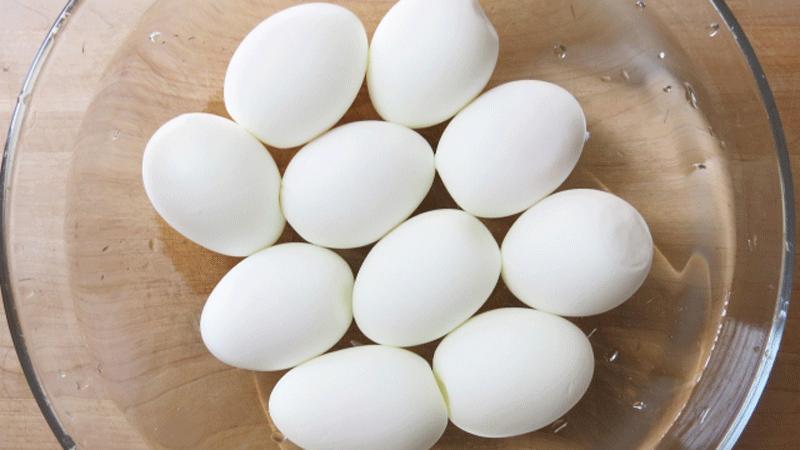 ゆで卵を冷やす